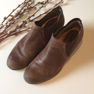 Earth Shoes Brown Leather Wedge Booties Size 9.5